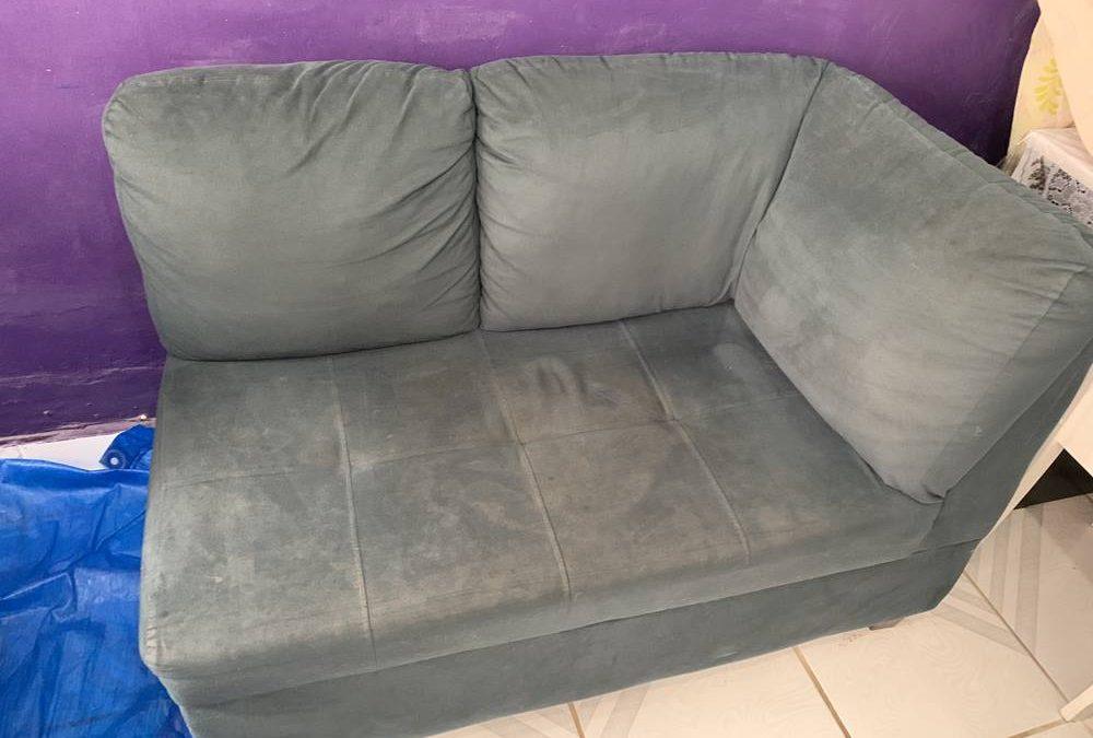 sofá sujo