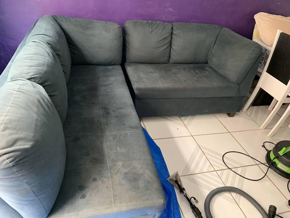 limpeza de sofá em l