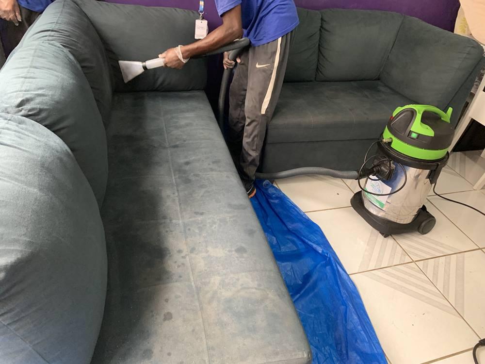 limpeza de sofá em l em realengo